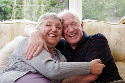 Happy_senior_couple_16921849